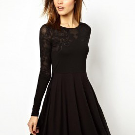 3e7930a062b944 Schrullig Langärmelige Kurze Kleider French Connection Bella Burn Out  Skater Dress...Christmas Parties
